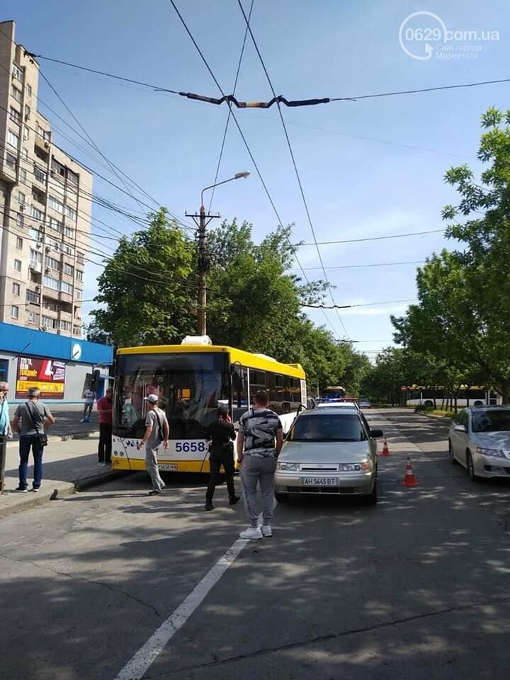 В Мариуполе  водитель ВАЗа сбил кондуктора автобуса,- ФОТО, фото-4