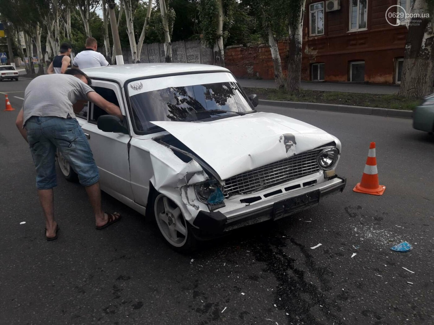 В Мариуполе «копейка» влетела в грузовик. Пострадала девушка, - ФОТО, фото-4