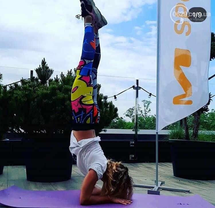Танцы в фонтане и мантры. В Мариуполе массово отпраздновали День йоги,- ФОТО, ВИДЕО, фото-9