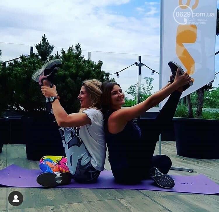 Танцы в фонтане и мантры. В Мариуполе массово отпраздновали День йоги,- ФОТО, ВИДЕО, фото-8