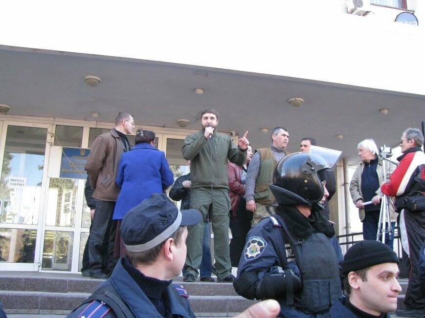 """От сепаратистов до националистов. Что сейчас происходит за закрытыми дверьми известного клуба """"Тор"""", - ФОТО, фото-1"""