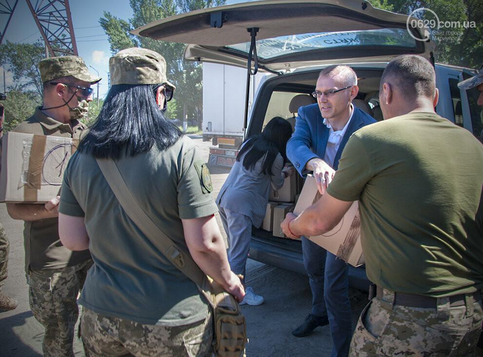 Библиотека Для Героев: Yakaboo передала украинским военным в Мариуполе 400 книг, - ФОТО, фото-1