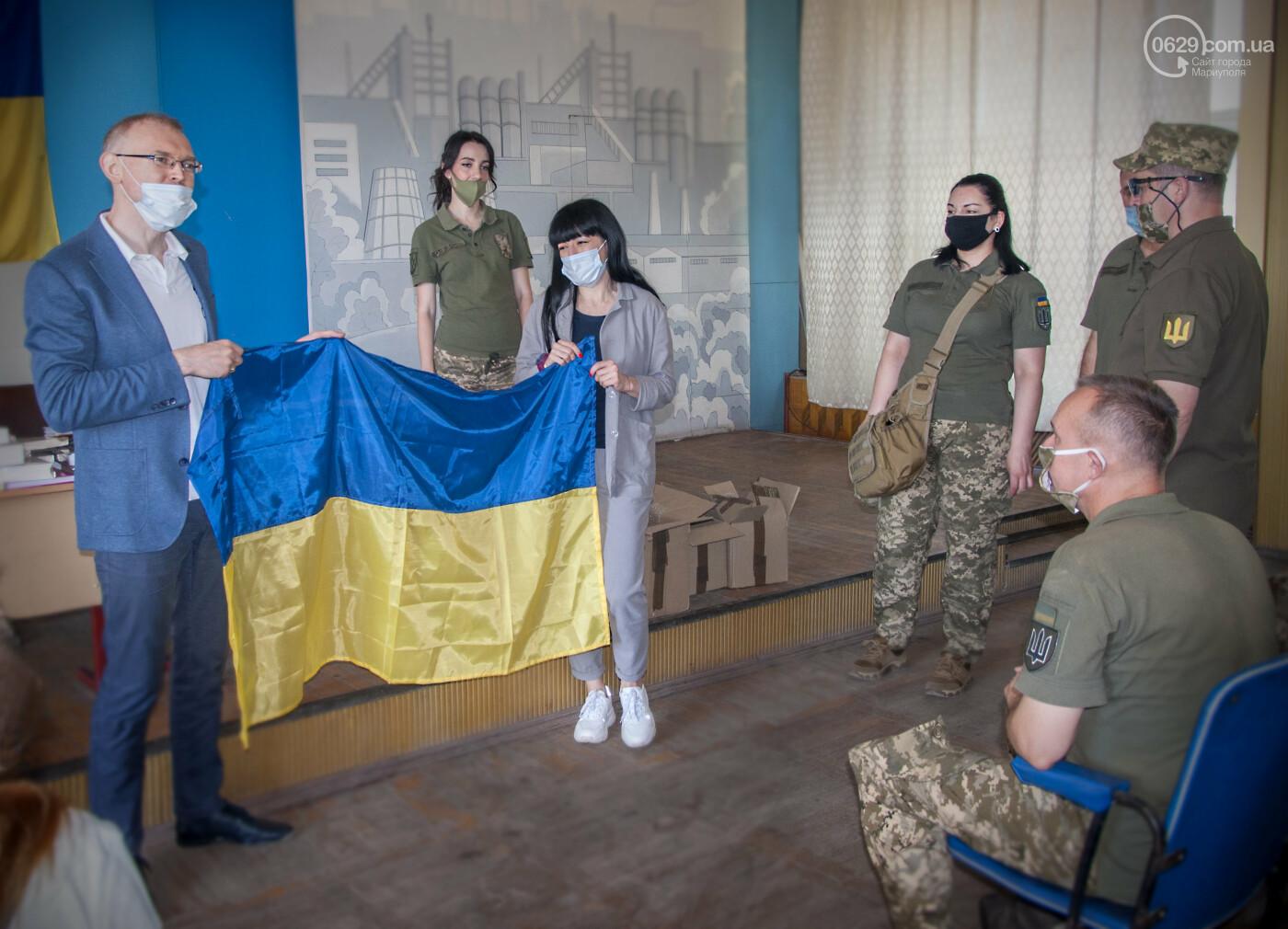 Библиотека Для Героев: Yakaboo передала украинским военным в Мариуполе 400 книг, - ФОТО, фото-4
