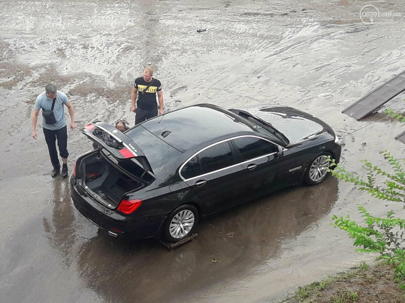 На Мариуполь обрушился ливень: транспорт плыл по дорогам,- ФОТО, фото-9