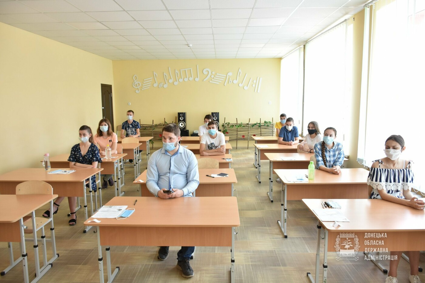121 абитуриент с оккупированной территории смог взять участие в обязательном ВНО по украинскому языку, - ФОТО, фото-1