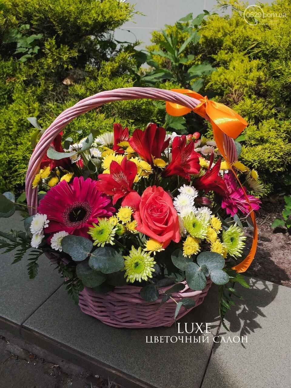 Изысканные, стильные букеты цветов с доставкой от сети салонов LUXE, фото-23