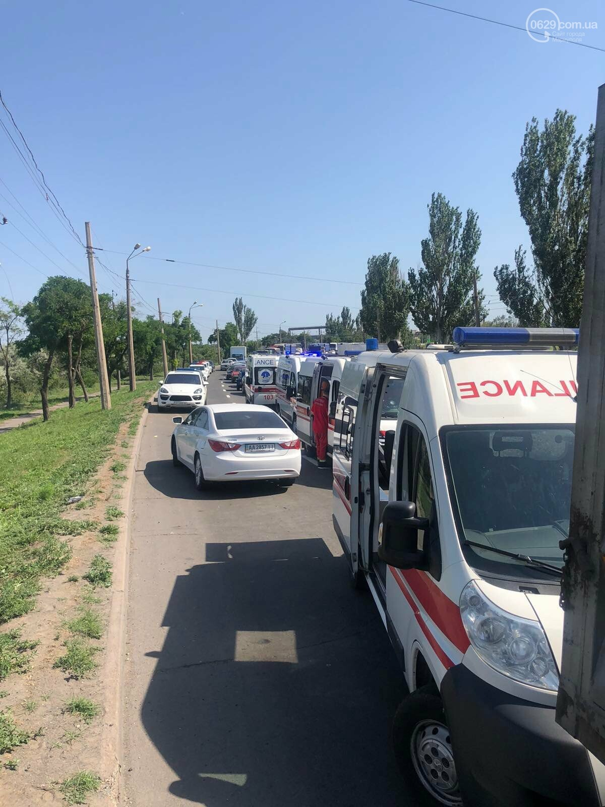 Серьезная авария в Кальмиусском районе. ВАЗ с пассажирами вылетел в кювет, четверо пострадавших, - ФОТО, фото-6
