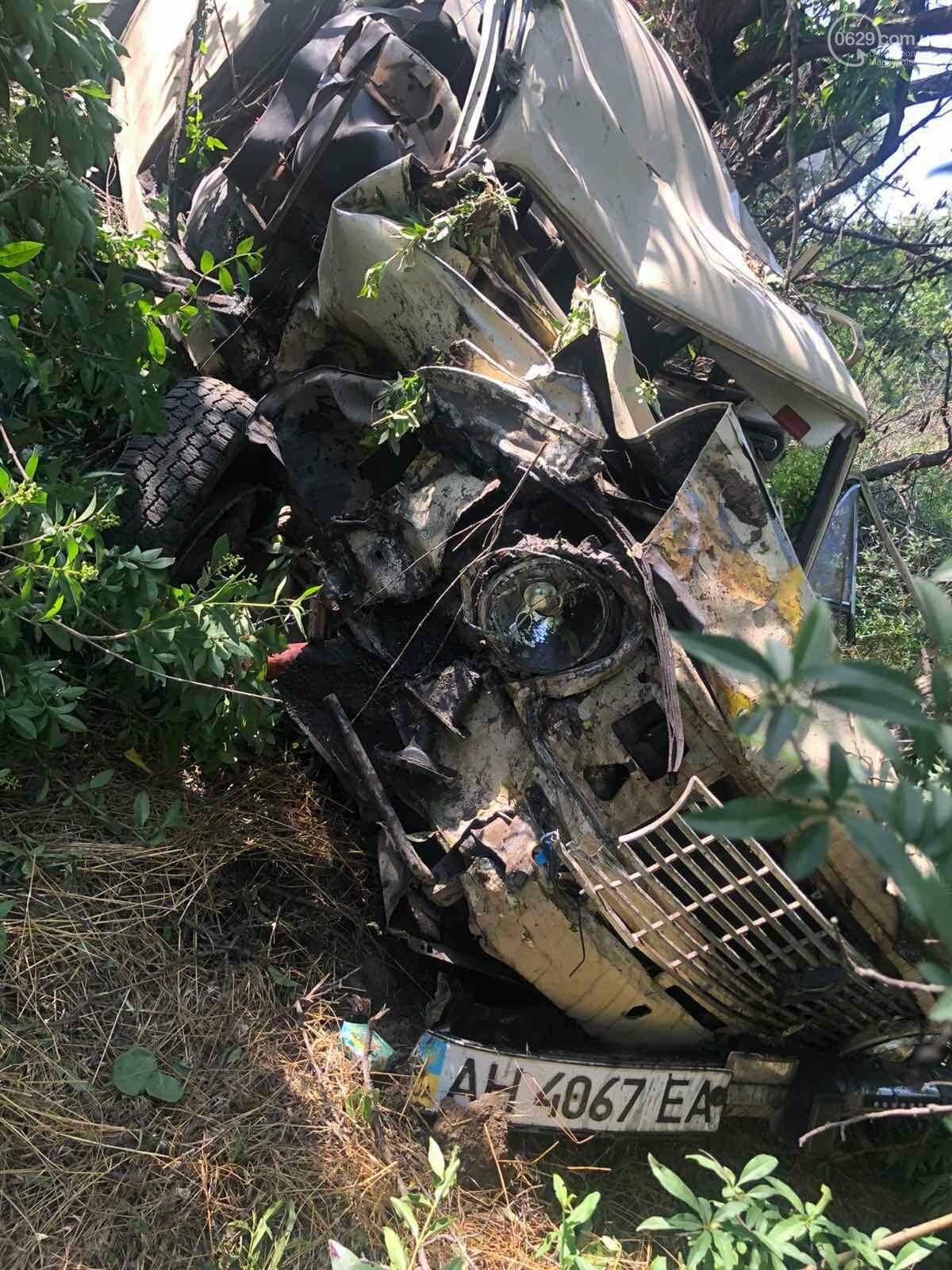 Серьезная авария в Кальмиусском районе. ВАЗ с пассажирами вылетел в кювет, четверо пострадавших, - ФОТО, фото-3