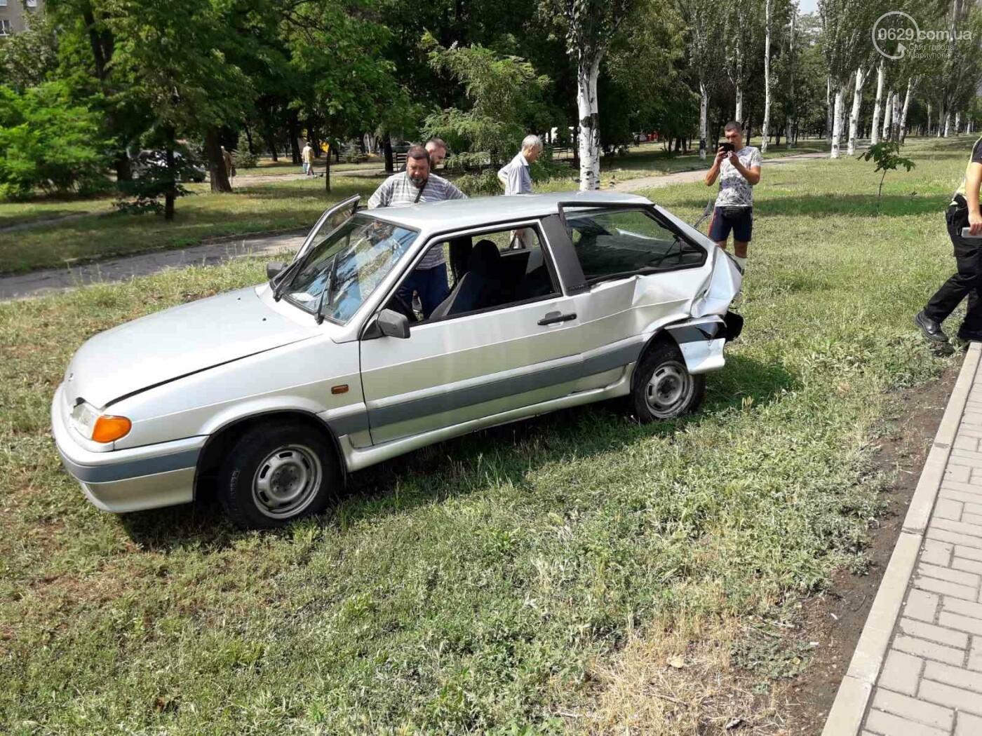 В Мариуполе Audi на полном ходу врезался в ВАЗ. Есть пострадавший, - ФОТО, фото-3