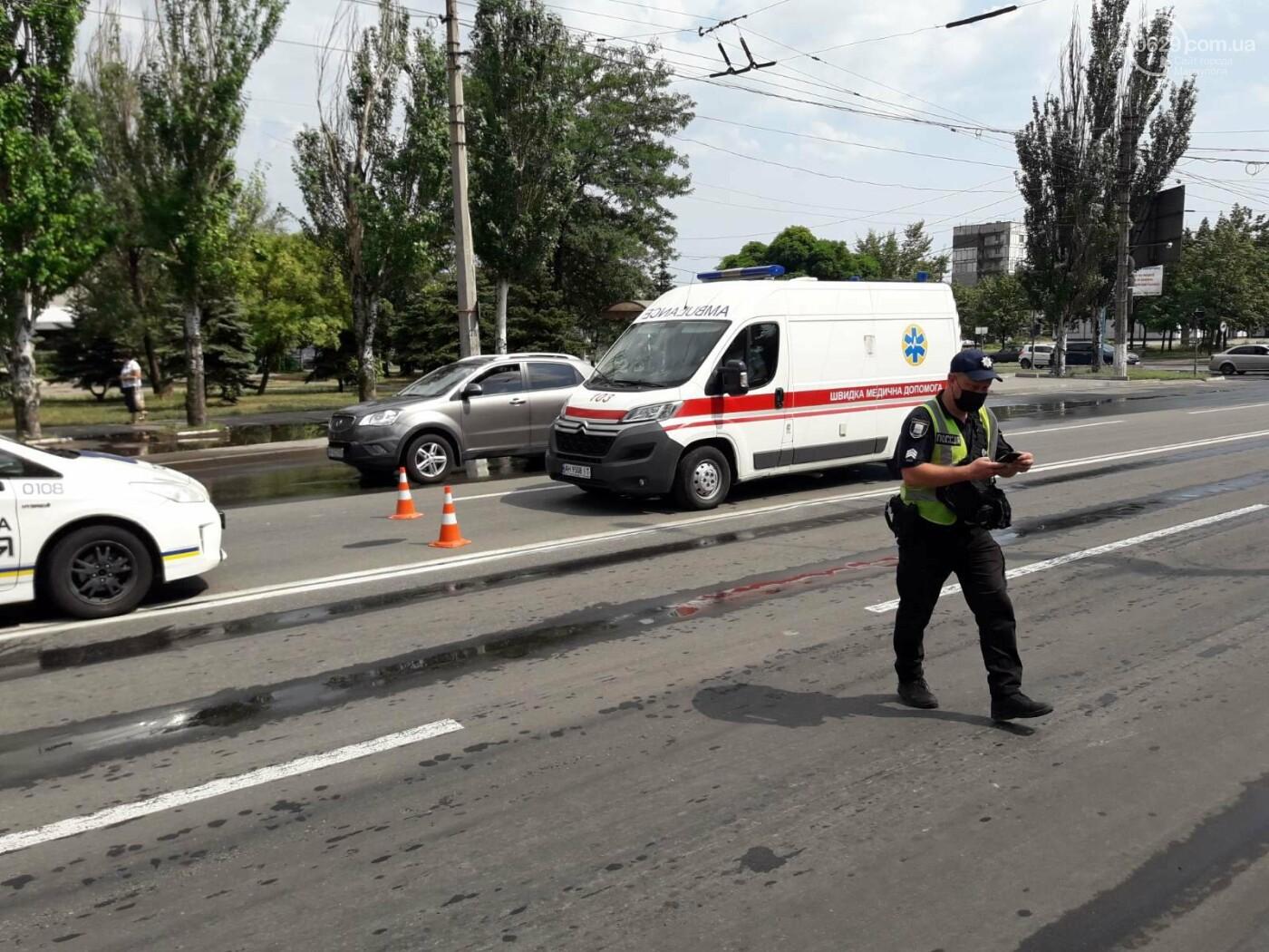 В Мариуполе Audi на полном ходу врезался в ВАЗ. Есть пострадавший, - ФОТО, фото-6