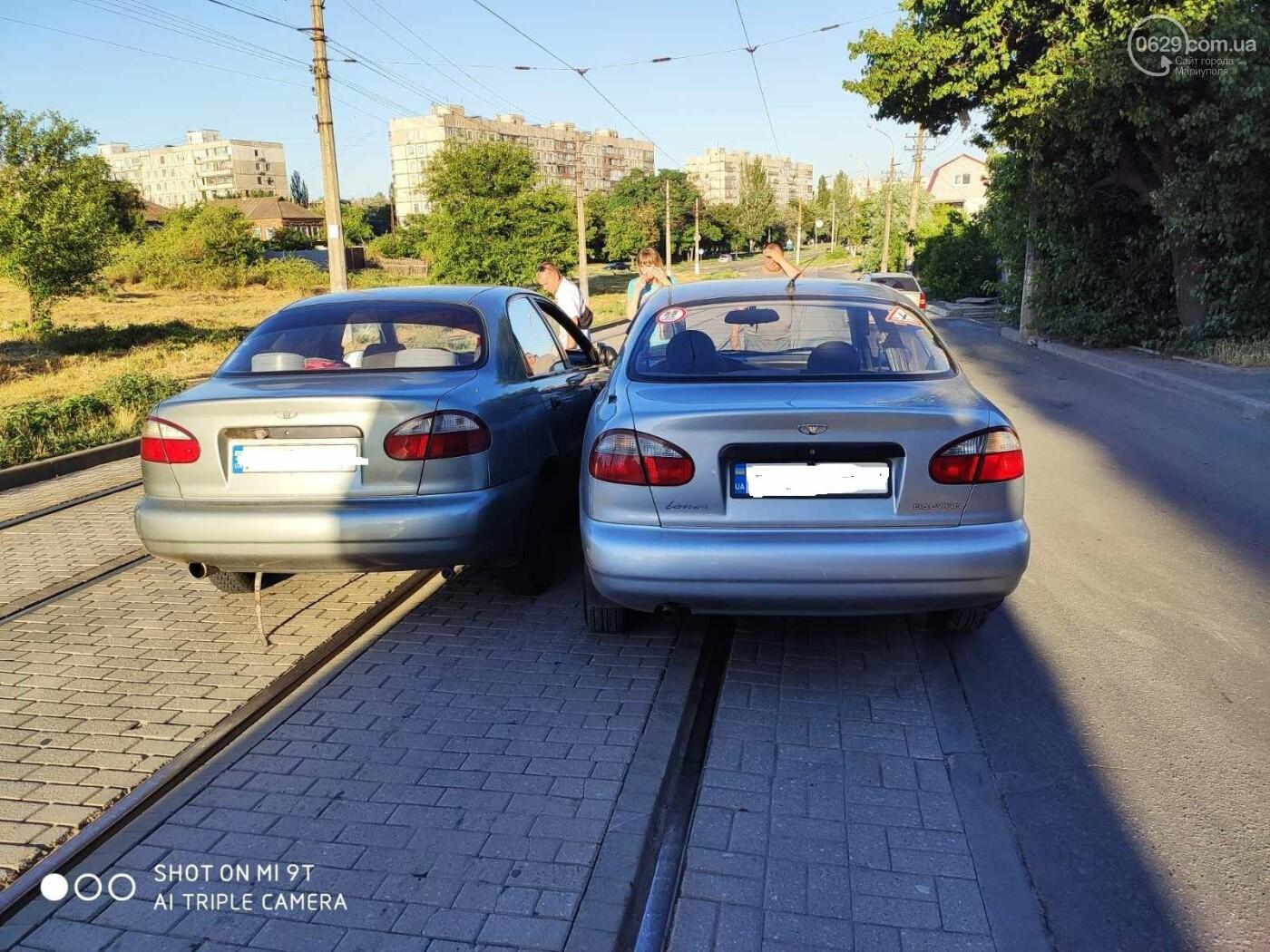 В Мариуполе два Daewoo столкнулись на трамвайных рельсах, - ФОТО, фото-5
