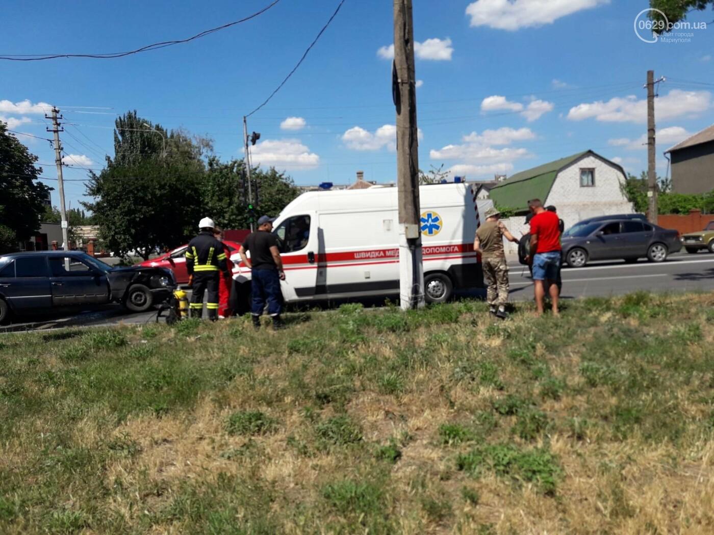 Снова ДТП! В Мариуполе на опасном перекрестке столкнулись Nissan и Mercedes. Пострадала девушка-водитель, - ФОТО, ВИДЕО, фото-7