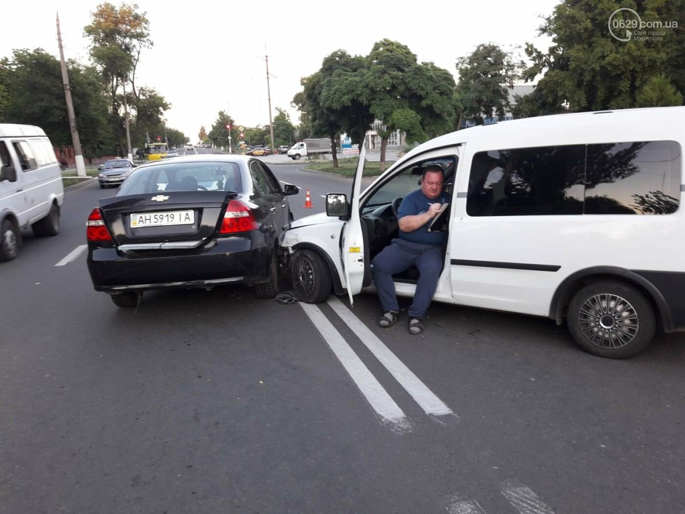 Дубль два! На Митрополитской снова столкнулись два авто, - ФОТО, фото-4