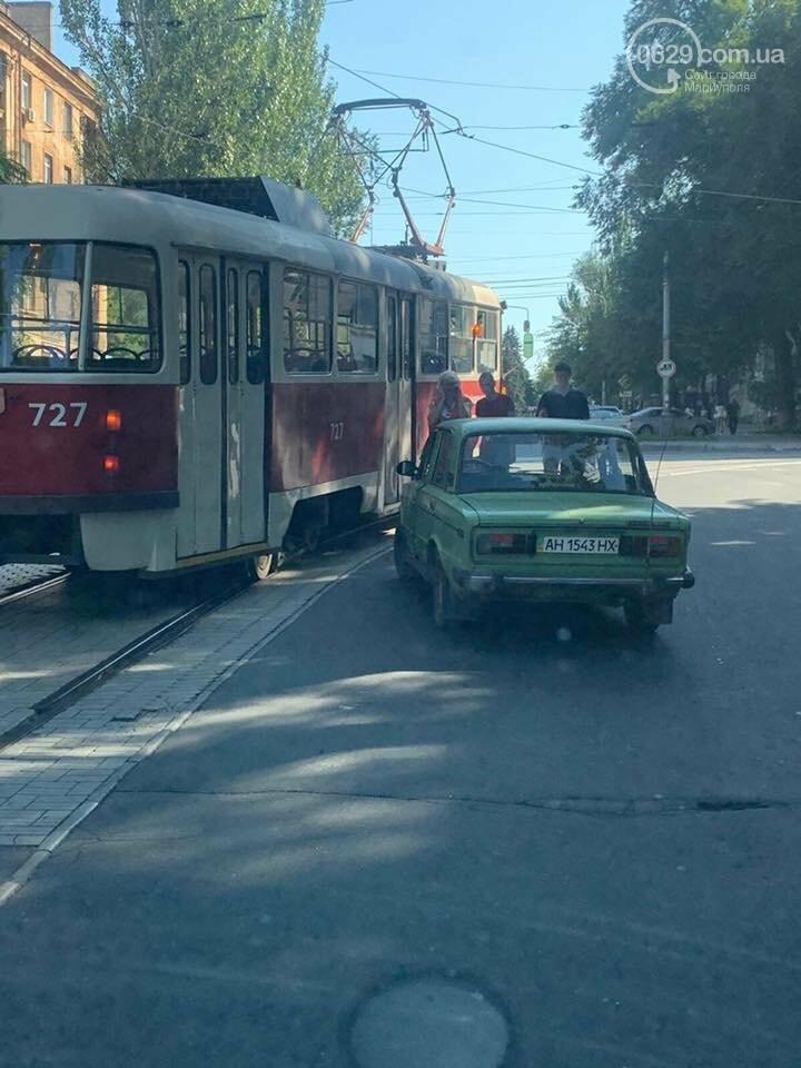В Приморском районе Мариуполя задымился троллейбус,-ФОТО, фото-2