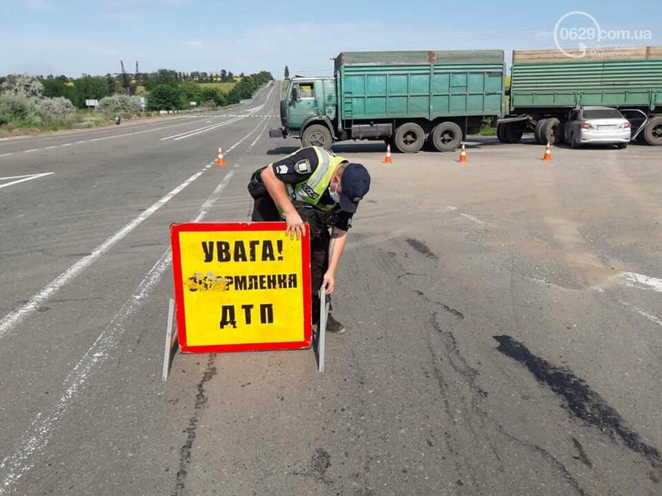 "Под Мариуполем ""Тойота"" влетела под КамАЗ, - ФОТО, фото-5"