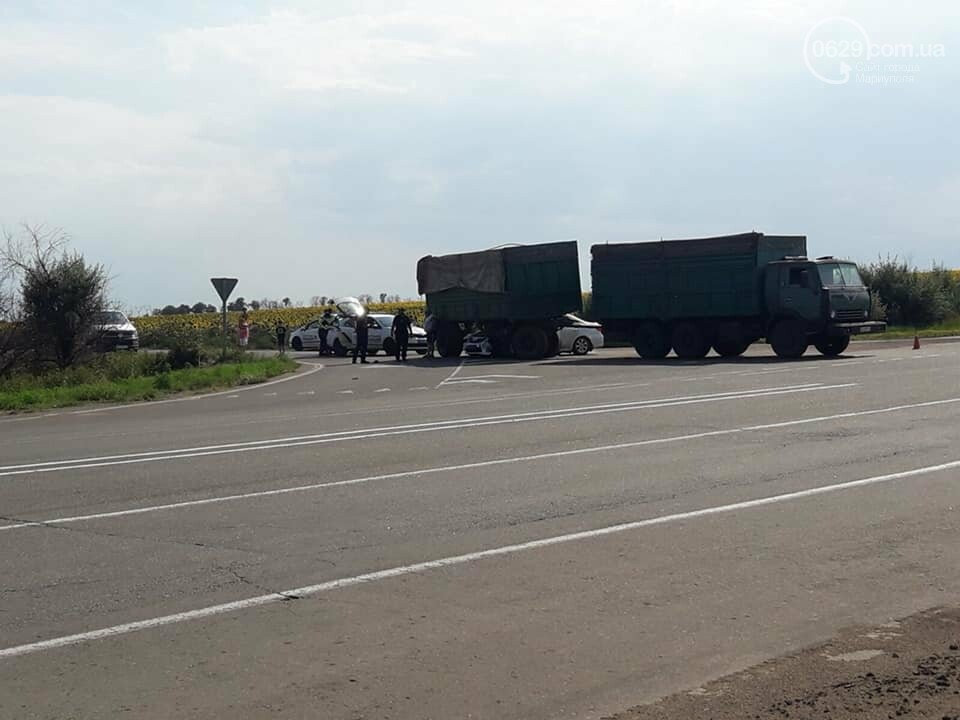 "Под Мариуполем ""Тойота"" влетела под КамАЗ, - ФОТО, фото-3"