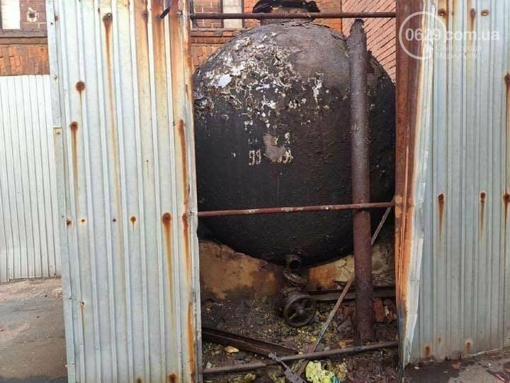 Кто ответит за разлив соляной кислоты, и кому на самом деле принадлежит Мариупольский ликеро-водочный завод, фото-1