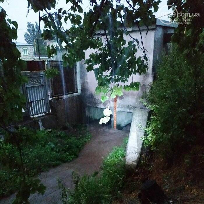Непогода в Мариуполе: затопленная Песчанка, застрявшие трамваи и угроза для жителей пр. Лунина, - ФОТО, фото-6