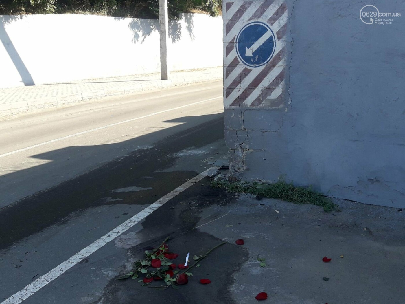 """На рассвете в Мариуполе """"Хонда"""" влетела в забор порта. Четверо пострадавших, - ФОТО, фото-5"""