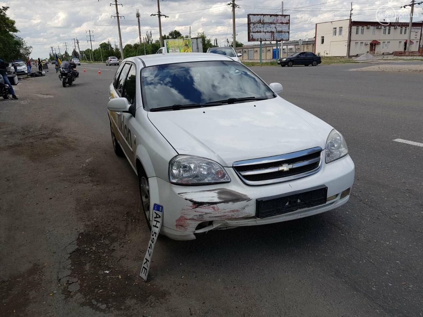 На  выезде из Мариуполя водитель такси сбил скутериста,-ФОТО, фото-2
