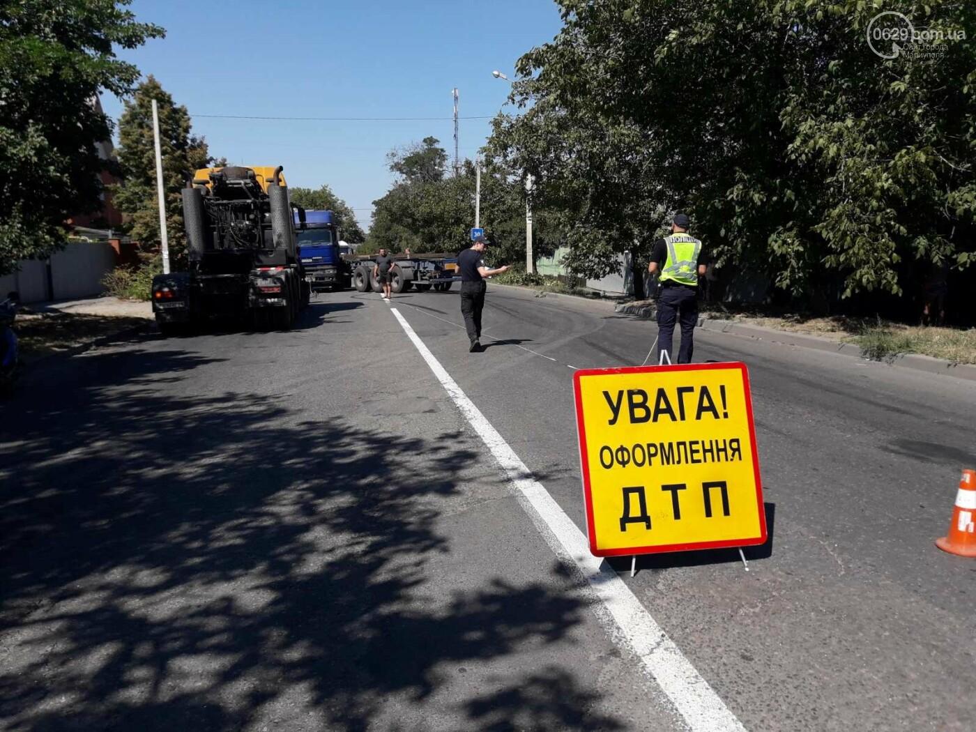 ДТП в Мариуполе: столкнулись два грузовика и перекрыли дорогу, - ФОТО, ВИДЕО, фото-7