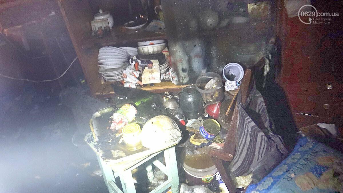 Пожар в квартире мариупольского Плюшкина. Хлам залили водой. Пострадал мужчина, - ФОТО, фото-7