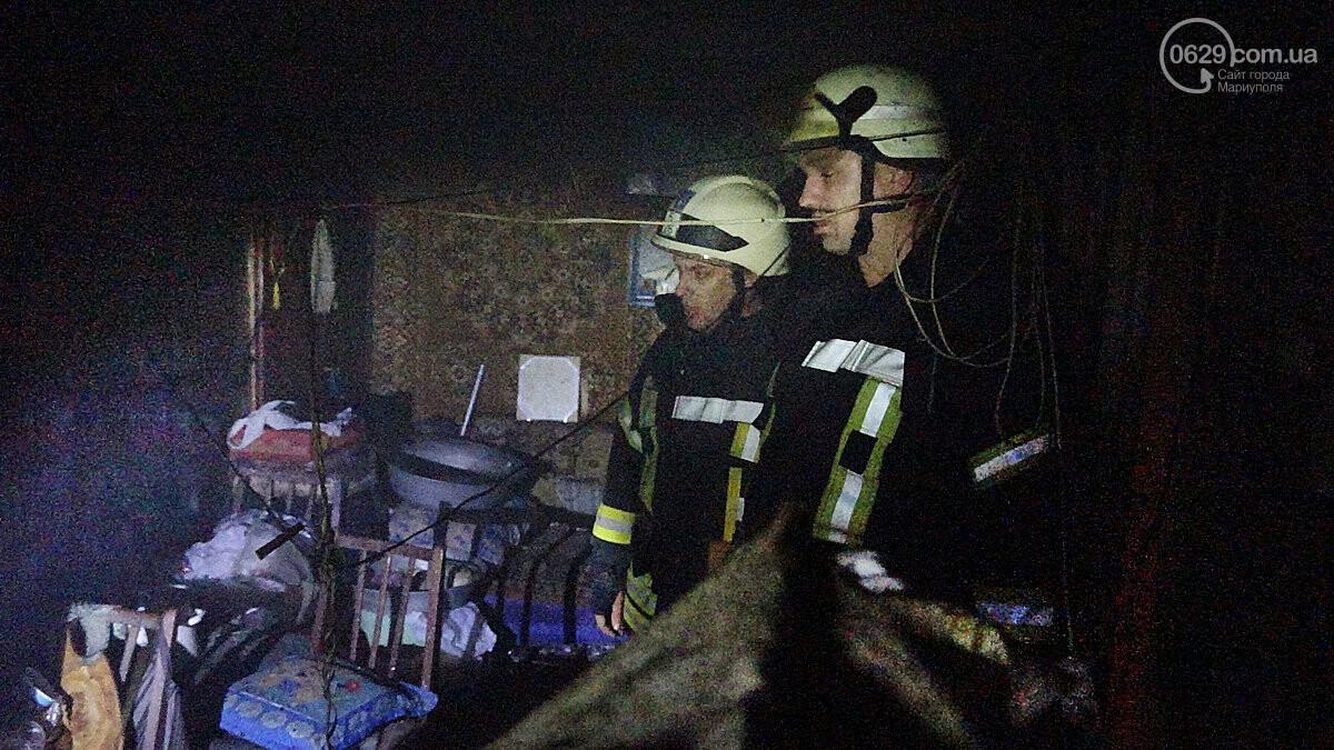 Пожар в квартире мариупольского Плюшкина. Хлам залили водой. Пострадал мужчина, - ФОТО, фото-14