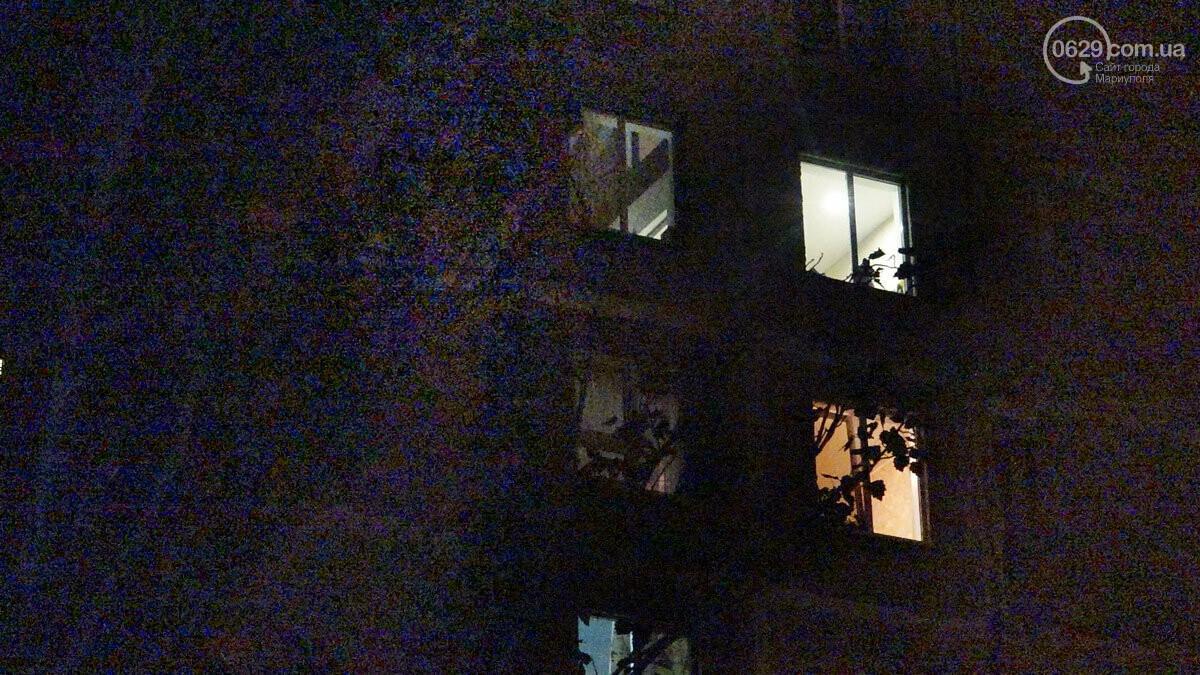Пожар в квартире мариупольского Плюшкина. Хлам залили водой. Пострадал мужчина, - ФОТО, фото-23