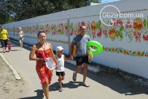 https://s.0629.com.ua/s/17/section/newsInText/upload/images/news/intext/000/052/610/3567492-zabor-dachi-yanukovicha-teper-v-knige-r_5f77101d980fd