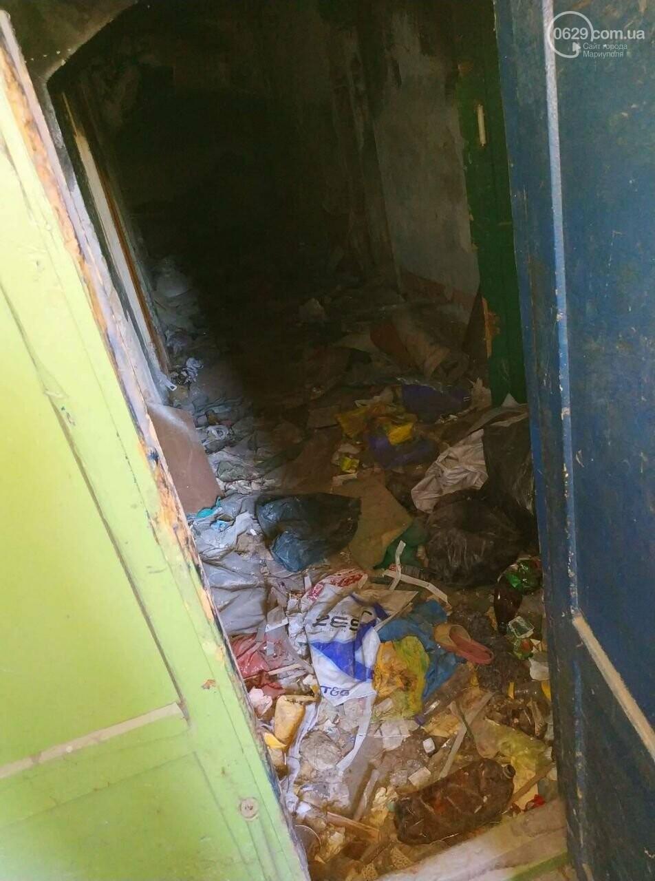 В Мариуполе старинный дом захламили бездомные и забросили коммунальщики, - ФОТО, фото-2