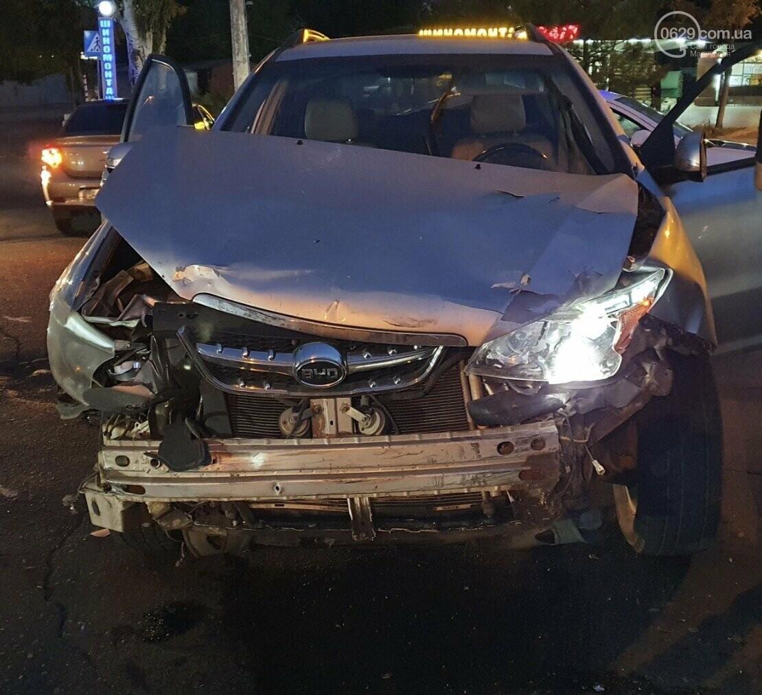 В Мариуполе на улице Кальмиусской перевернулся автомобиль,- ФОТО, фото-2