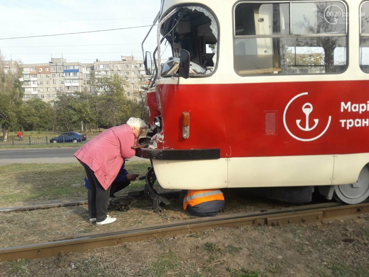 В Мариуполе трамвай на полном ходу потерял управление и врезался, - ФОТО, фото-4