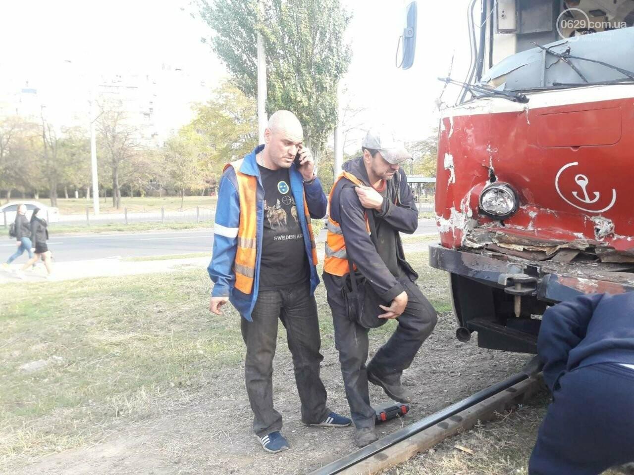 В Мариуполе трамвай на полном ходу потерял управление и врезался, - ФОТО, фото-2