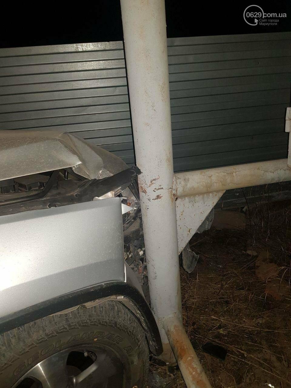 В Мариуполе Jeep врезался в электроподстанцию, - ФОТО, фото-1