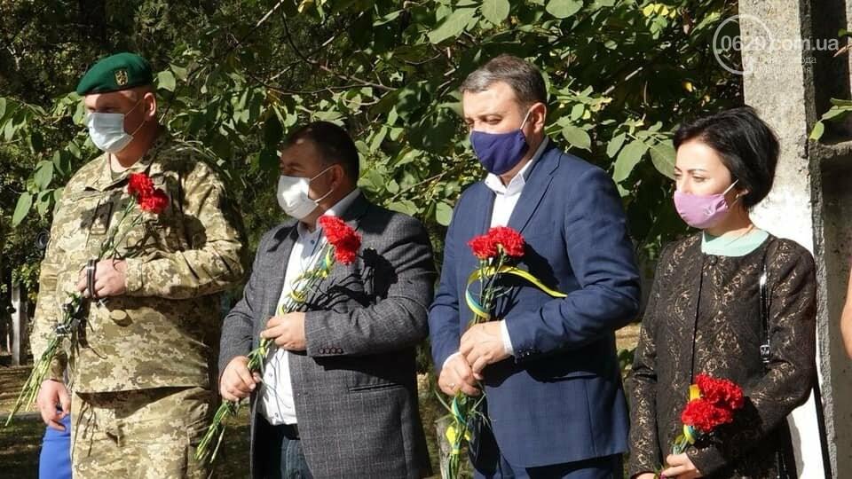 В Сартане почтили память погибших в результате вражеского обстрела  6 лет назад,- ФОТО, фото-7