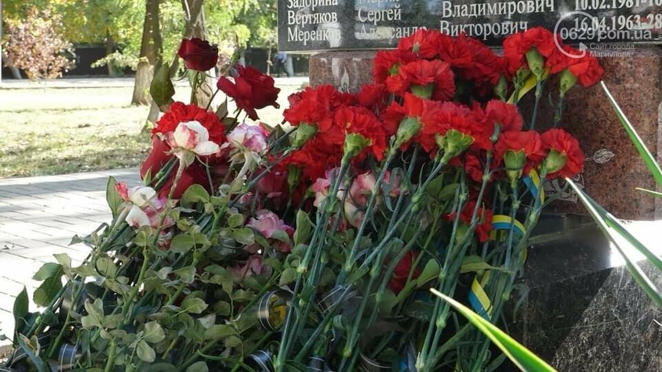 В Сартане почтили память погибших в результате вражеского обстрела  6 лет назад,- ФОТО, фото-3