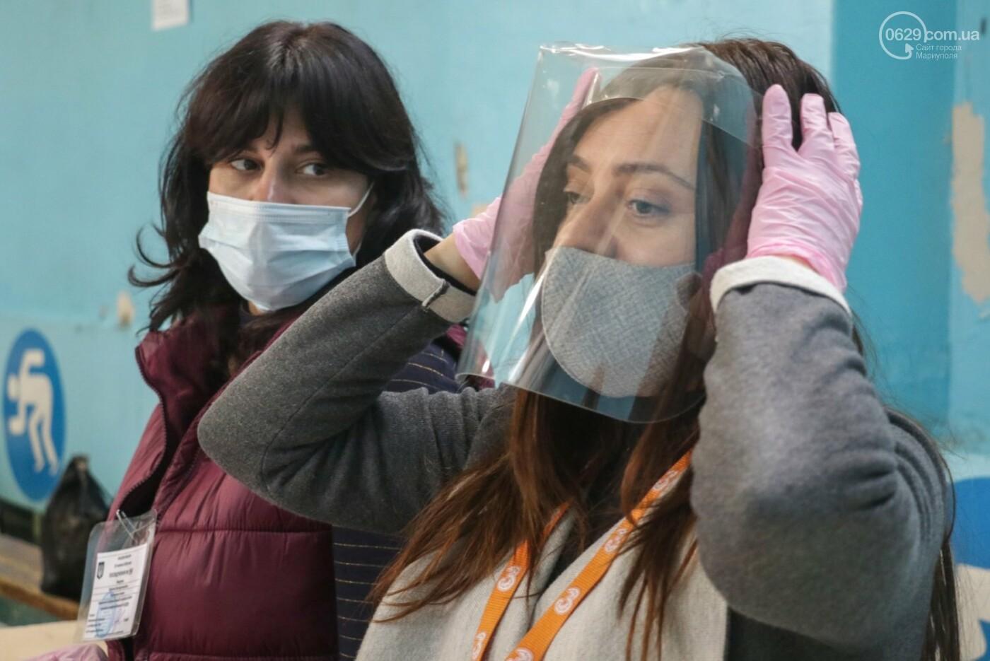 Как проходят выборы в Мариуполе – в 32-х фотографиях, - ФОТОРЕПОРТАЖ, фото-15