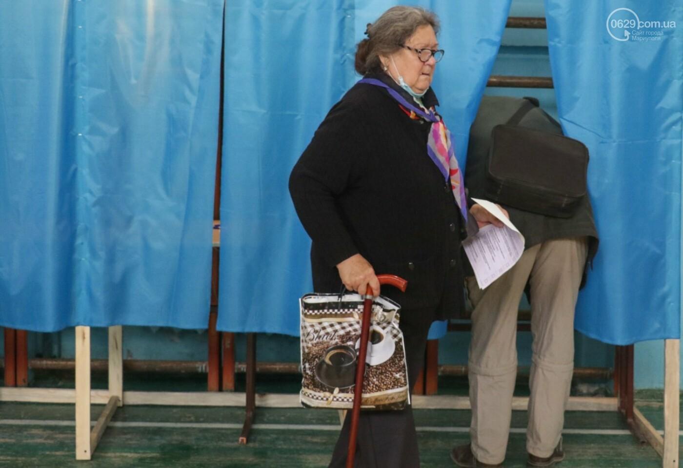 Как проходят выборы в Мариуполе – в 32-х фотографиях, - ФОТОРЕПОРТАЖ, фото-22