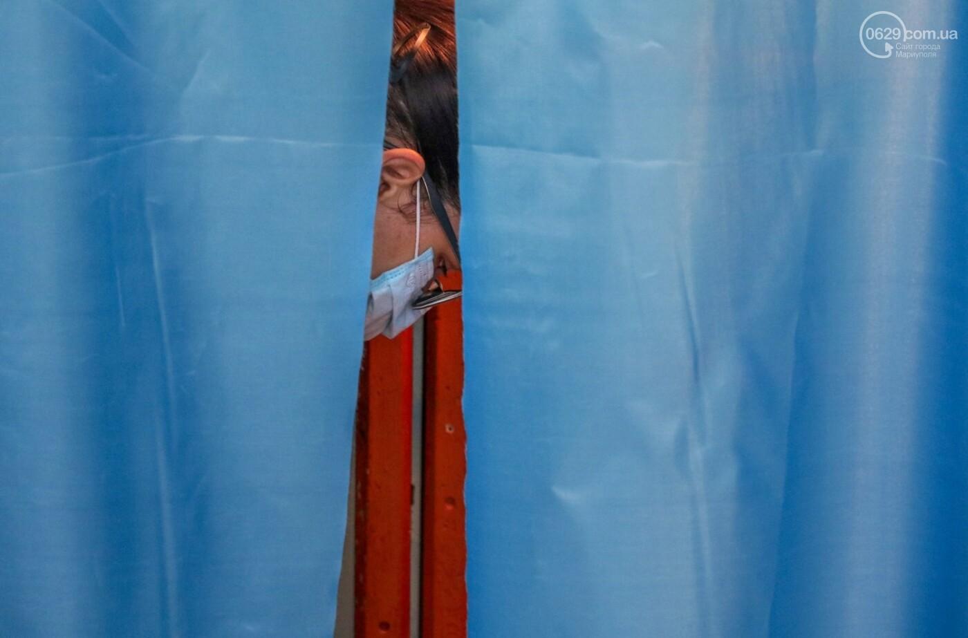Как проходят выборы в Мариуполе – в 32-х фотографиях, - ФОТОРЕПОРТАЖ, фото-3