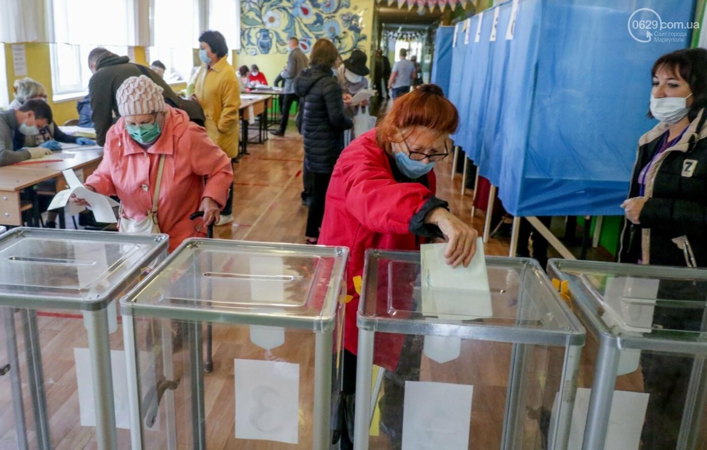 Как проходят выборы в Мариуполе – в 32-х фотографиях, - ФОТОРЕПОРТАЖ, фото-10