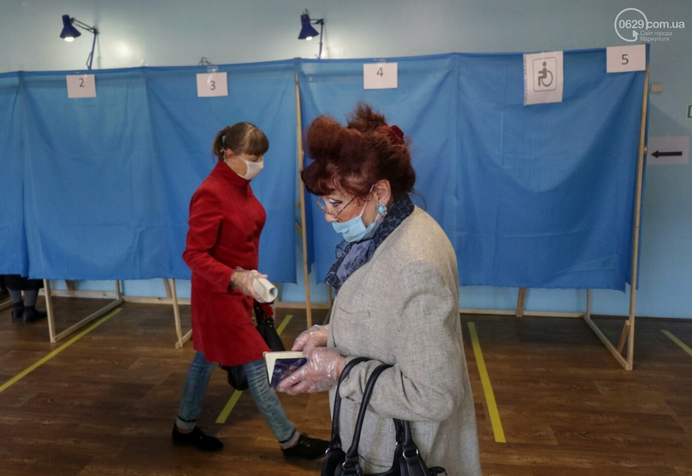 Как проходят выборы в Мариуполе – в 32-х фотографиях, - ФОТОРЕПОРТАЖ, фото-21