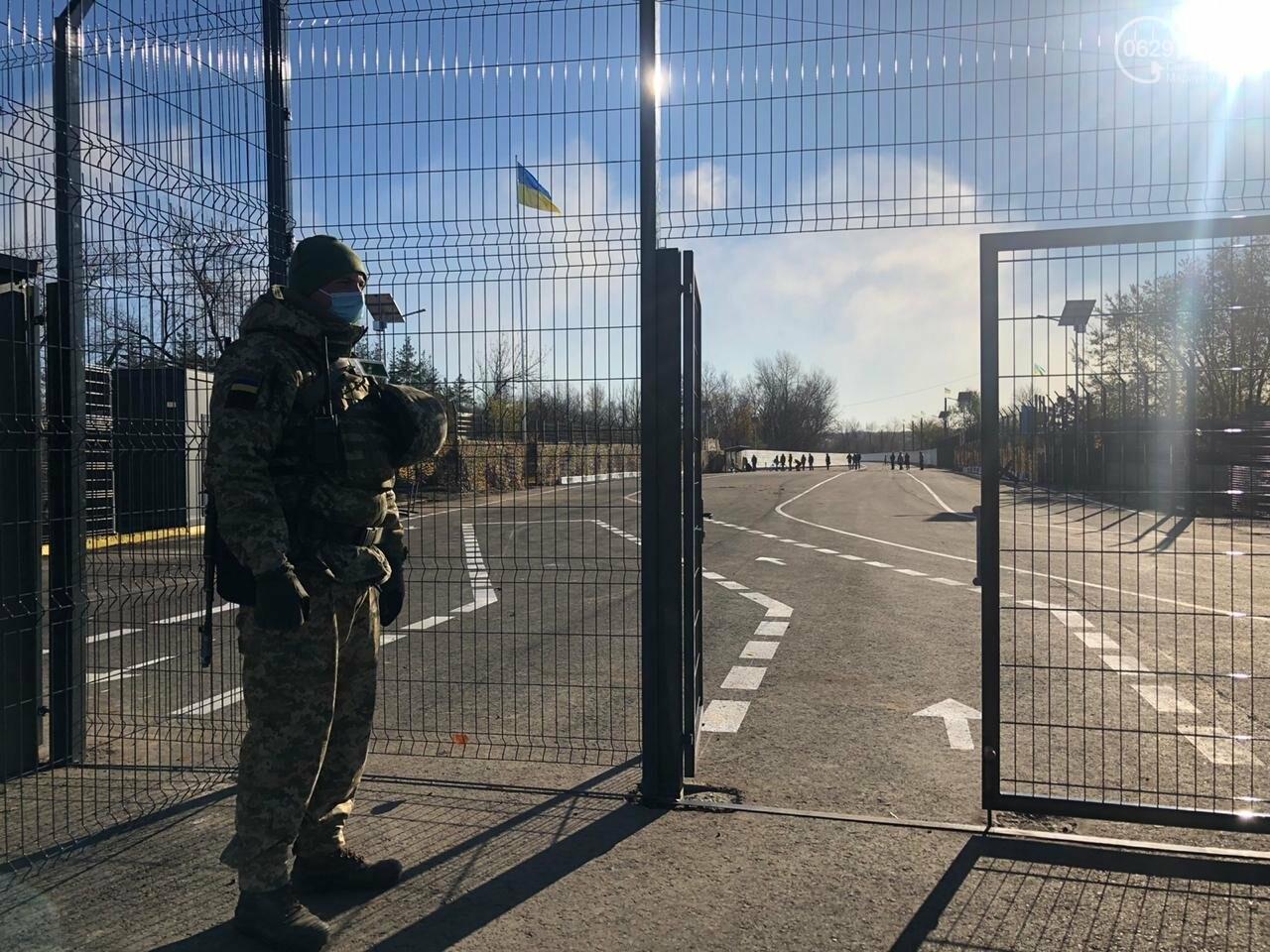 Оккупационные власти заблокировали проход людей на КПВВ в Донецкой области, - ФОТО, фото-1