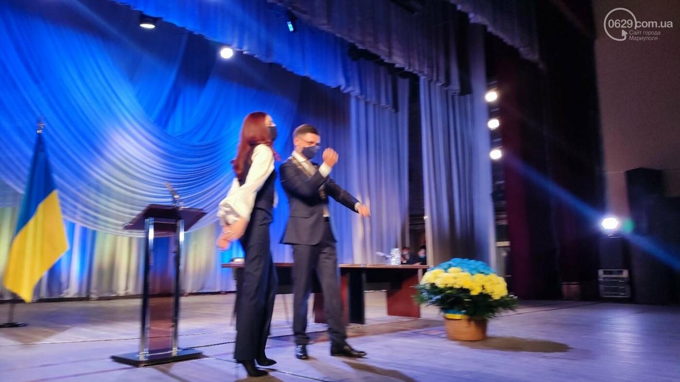 В Мариуполе стартовала первая сессия 8 созыва, - ФОТО, фото-4
