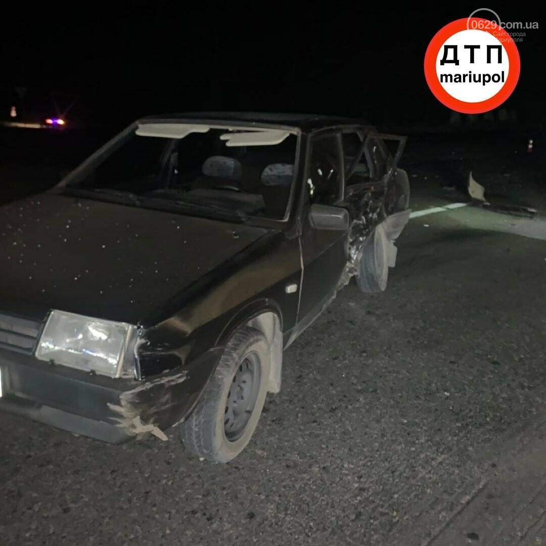 Опасное ДТП на трассе Мариуполь-Донецк: 2 человека в тяжелом состоянии, - ФОТО, фото-4