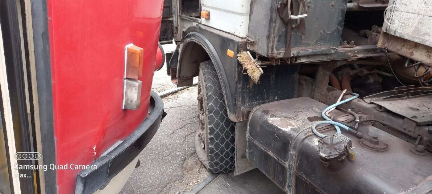 На выезде из Мариуполя трамвай столкнулся с длинномером,- ФОТО, фото-4