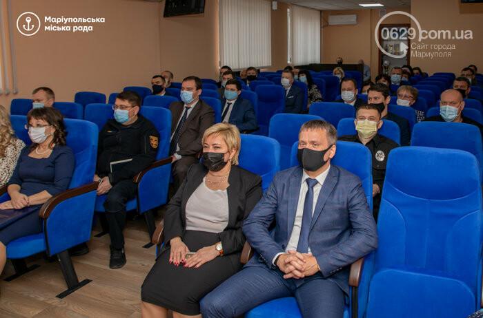 """""""Особенные люди"""". Сотрудники прокуратуры получили квартиры в Мариуполе, - ФОТО, фото-1"""
