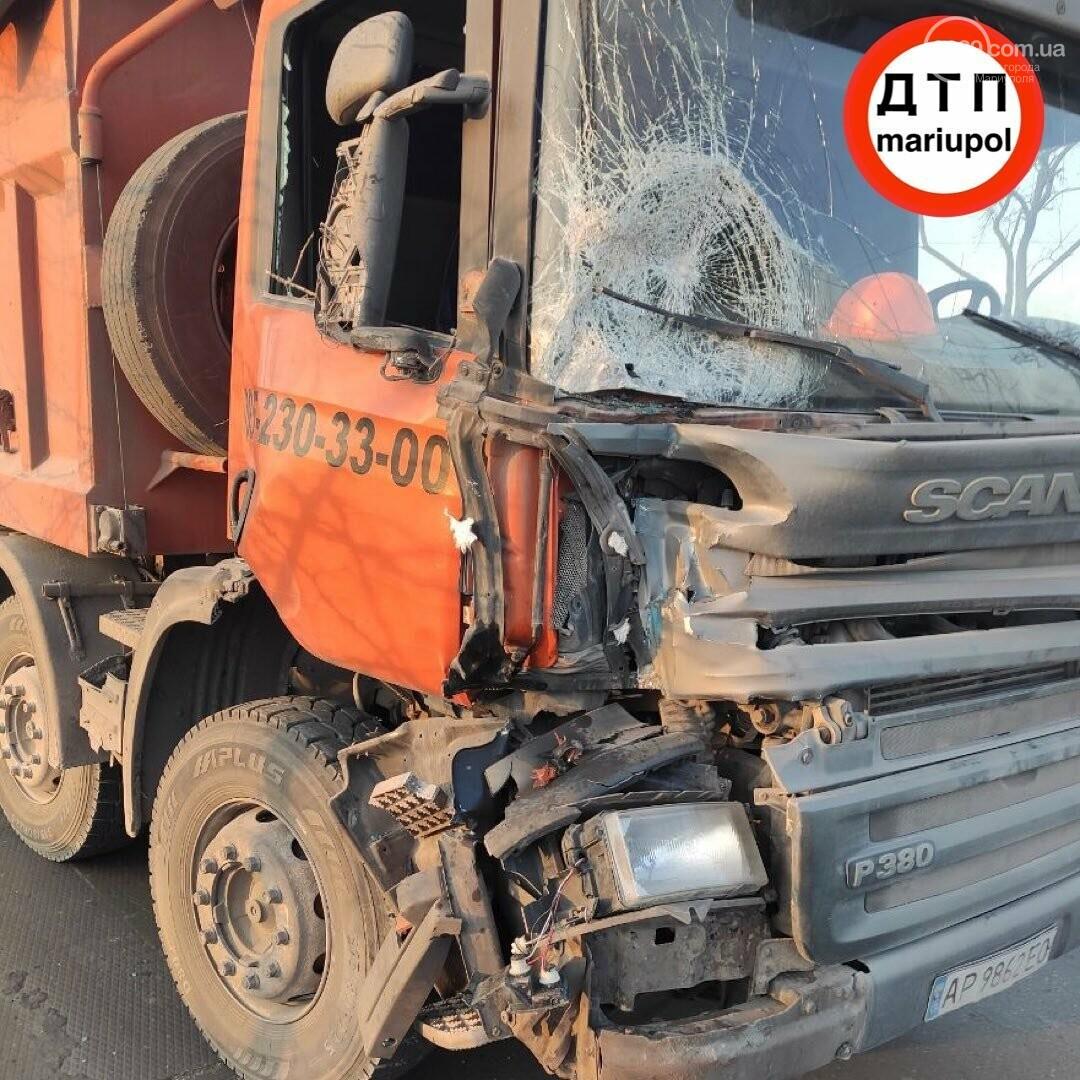 Необычное ДТП. В Мариуполе грузовик врезался в трактор, - ФОТО, фото-4