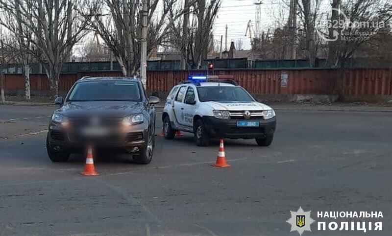 В Мариуполе  Voklkswagen на пр. Лунина сбил подростка,- ФОТО, фото-1