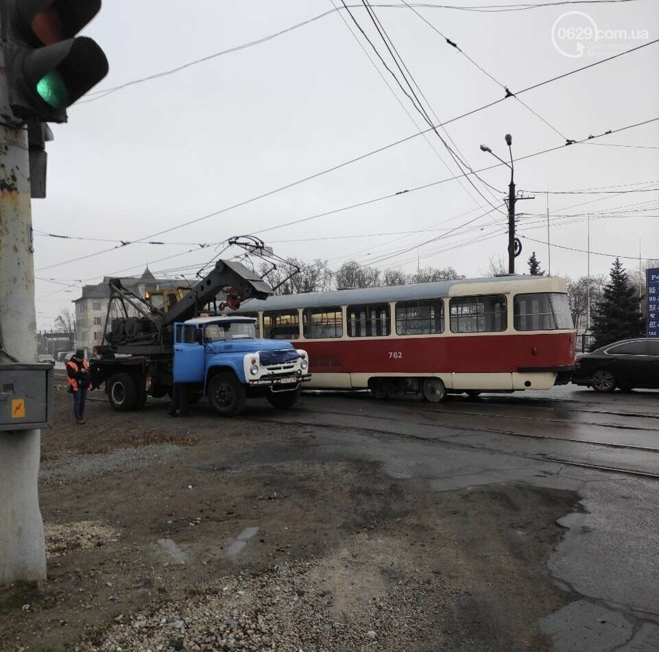На Левобережье Мариуполя трамвай сошел с рельсов, - ФОТО, фото-2