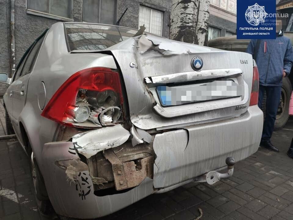 В Мариуполе на центральном проспекте сразу четыре авто попали в аварию, - ФОТО, фото-1